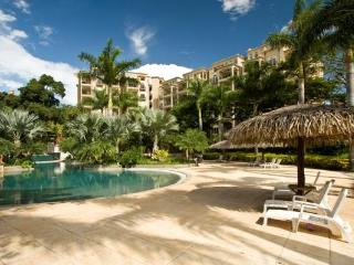 Matapalo 103- 2 Bedroom Poolside Condo at the Diria Resort