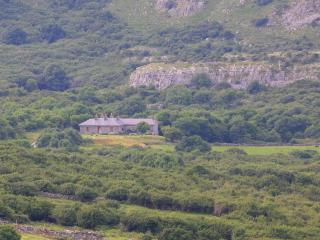 Laid Back Luxury in Remote Burren Setting Sleeps10, Caherconnell