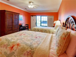 Beachside Inn - 2 Queen Beds, Destin