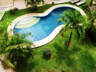 Tamarindo Villa Verde 2 - Cozy 2 Beds, 2.5 Baths Condo a Couple of Minutes Walking from the Beach