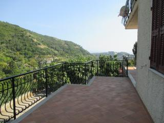 Liguria, vacation rental  ocean and mountainview, Vallebona