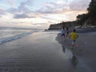 Rio Mar Panama Surf Platforms
