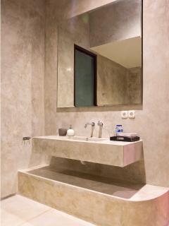 En-suites bathroom