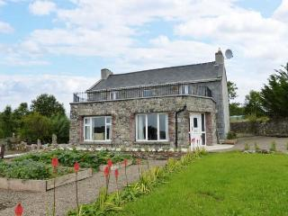 ARD BOULA, detached, open fire, pet-friendly, WiFi, near Tulla, Ref 912160, Syke