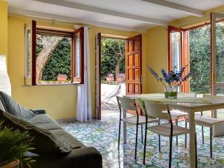 Apartment Lemon in Sorrento Center