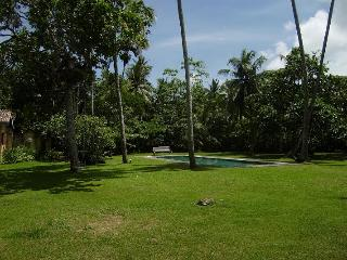 Atmospheric colonial villa amongst coconut palms, Unawatuna