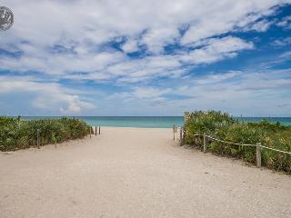 Ocean Front House in Miami Beach