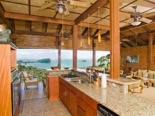 Casa Dolce Vita-Balenese Villa con vistas impresionantes, Manuel Antonio National Park