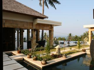 Secluded Villa with Ocean Views, Senggigi