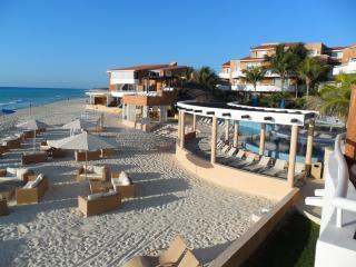 Playa Del Carmen, Mexico - Luxury Beachfront Suite, Playa del Carmen