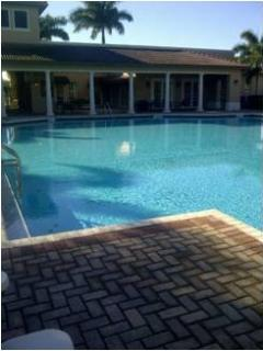 Fully Equipped 2 Beds/ 2.5 Baths  Townhouse in the heart of Pembroke Pines, FL
