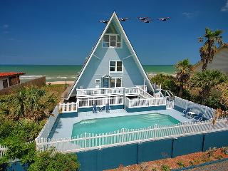 Captain's Cottage, a 3br/2.5ba beach house w/pool!