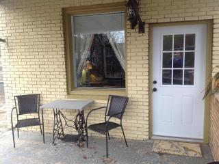 Unbeatable Asheville location! Dog Friendly!