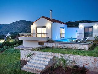 Villa in Kolimbari, Crete, Greece, Nopigia