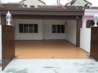 TIP TOP HOMESTAY (NUSAJAYA LEGOLAND), Johor Bahru