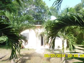 Charming Cottage for Rent - 650.00/U.S. Corozal, B, Cerros