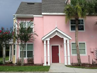 A spacious 3 Bedroom gated resort Close to Disney