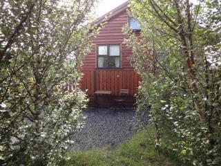 Charming cabin in Hvalfjörður - hot tub, Husafell