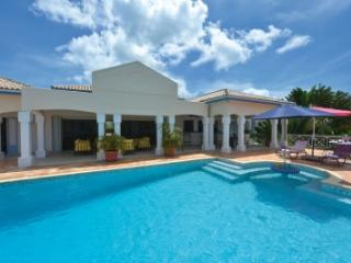 Beautiful 4 Bedroom Hillside Villa in Terres Basses