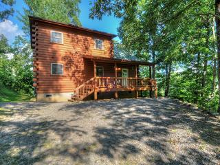 Golf? Cycling? Hiking? What's on your mind? 2/2 /futon in loft. Firepit Deck, Maggie Valley