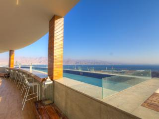 Luxury Penthouse 4 Bedrooms full sea view p/ pool, Eilat