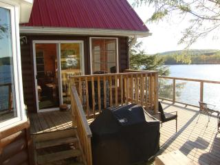 Commanda Chalet  - Muskoka Executive Cottage, Restoule