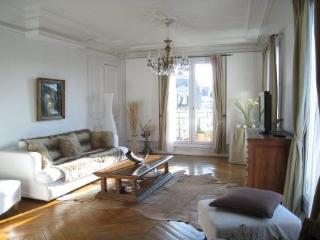 Luxury 2 Bdr 110m2 View Arc de Triomphe, Paris