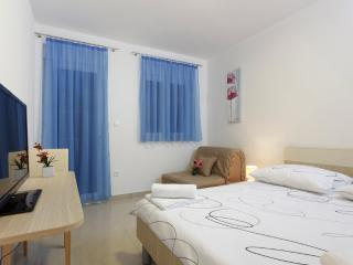 Double room with balcony (7), Podstrana