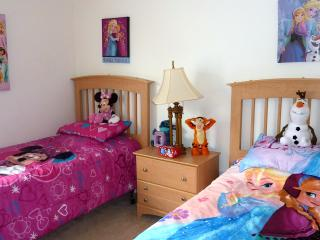 Choice of character bedding, cable HDTV, Xbox360 and games, Ipod dock