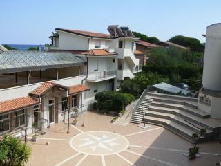 aquamarine residence, Davoli