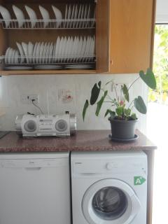 Dish washer / washing machine / radio