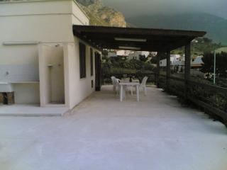 villa del golfo -  laterale, Macari