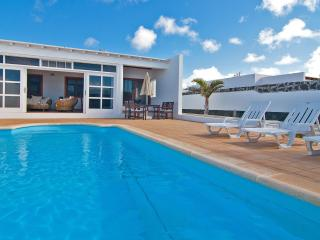 Villa Yeni - heated pool, Playa Blanca