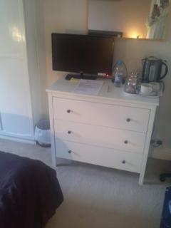 free view Tv and tea/coffee  in your room