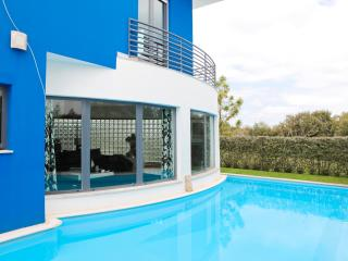 Luxury villa with pool&Golf Resort, Azeitão