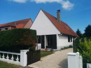 House sleeps 8 maximum in Cucq, nr. Le Touquet, best for 6 adults and 2 children