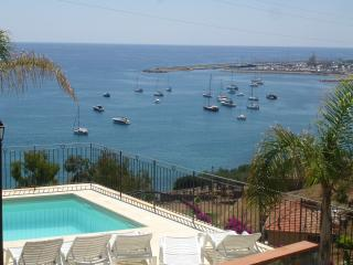 Villa bifamiliare 200 m sea beatiful view sea pool, Santo Stefano al Mare
