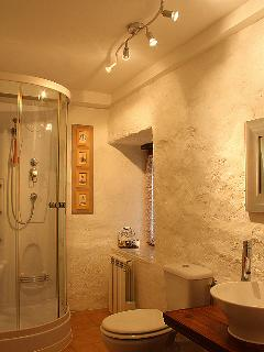 Refurbished shower/wc room.  Shower with body jets.  All towels supplied  Complimentary toiletries.