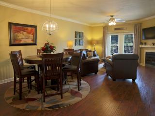 Luxurious 2BR, 2BA Condo W/New 6' Spa Shower, FREE WIFI, VIP 50% Off On ZipLines, Pigeon Forge