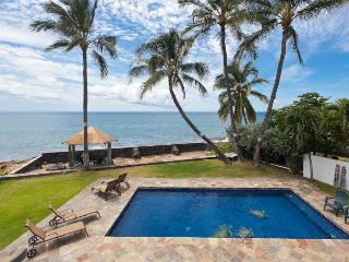Ocean front house with pool in west Oahu, Makaha