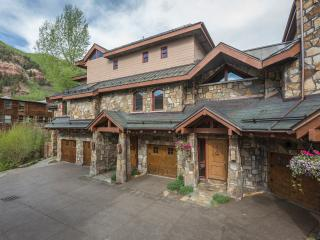 Rivercrown 2: luxury Telluride townhome