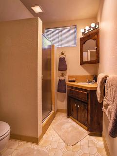 En suite 3/4 bath