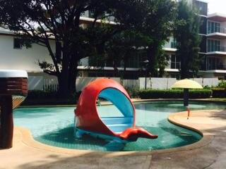 This 2 bedrooms unit is close to the beach and have pool area along this condominium