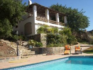 Casa de campo con piscina privada y vistas al mar