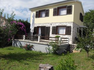 Villa Mirta, Nerezine