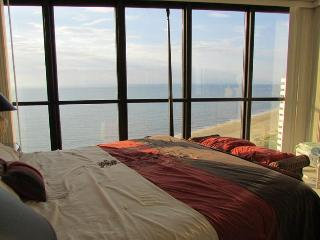Master Bedroom with an amazing view (Thank you AA for the pic)