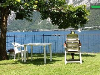 Douce 'maisonnette' sur lac, Mandello del Lario
