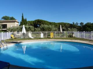 Bastide de CASTEUSE- Apart Les Oliviers, Location de vacance Lourmarin Provence