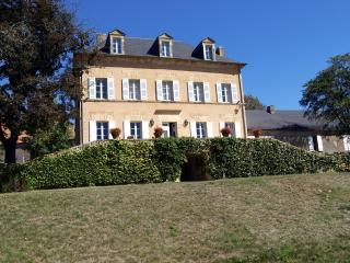 Magnificent manor house, Tourtoirac