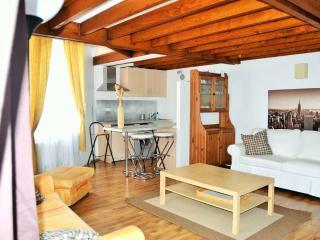 Cottage Paris de 2 à 10 à partir 350 E la semaine, Fontenay-sous-Bois